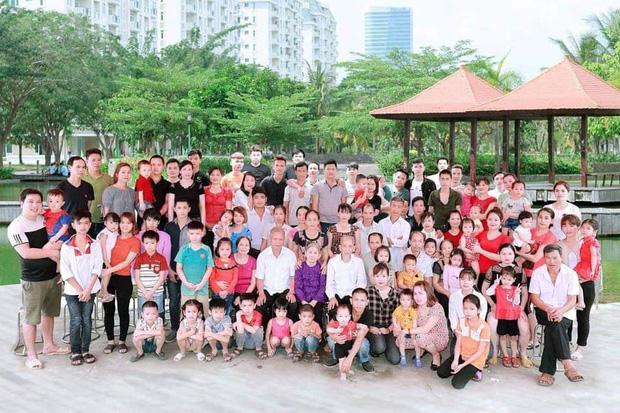 Tiếp nối trend khoe ảnh đại gia đình năm ngoái, dân mạng phát hiện ra 'kỷ lục' nhà có 407 thành viên đây này! - ảnh 7