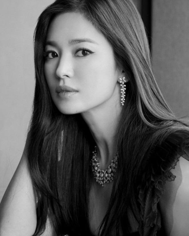 Hậu ly hôn Song Joong Ki, Song Hye Kyo hồi xuân, đẹp xuất sắc tới từng milimet   - Ảnh 8.