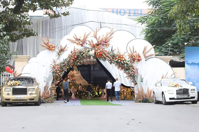 Lộ diện 2 nhân vật chính của siêu đám cưới Quảng Ninh, nhân viên nhà hàng tiết lộ chi phí tổ chức đám cưới lên đến 54 tỷ - Ảnh 1.