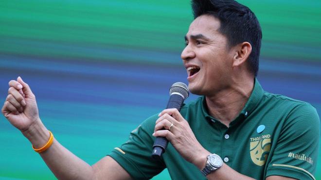 Tranh cãi việc huyền thoại Thái Lan đánh bại HLV Park Hang-seo ở đội hình tiêu biểu bóng đá Đông Nam Á của thập niên - Ảnh 2.