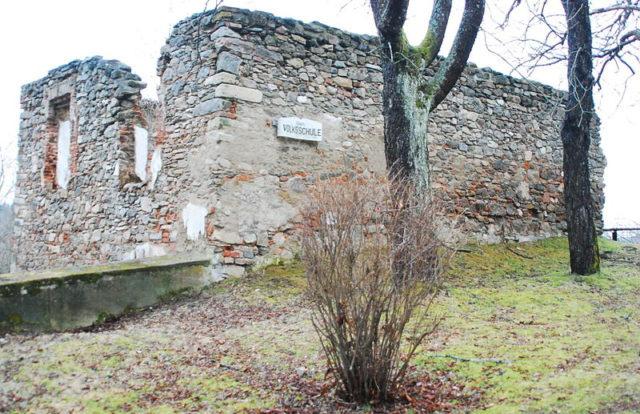 Ngôi làng bị Hitler xóa sổ để dập tắt một tin đồn - Ảnh 3.