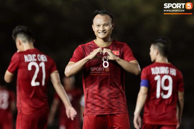 Tranh cãi việc huyền thoại Thái Lan đánh bại HLV Park Hang-seo ở đội hình tiêu biểu bóng đá Đông Nam Á của thập niên - Ảnh 5.