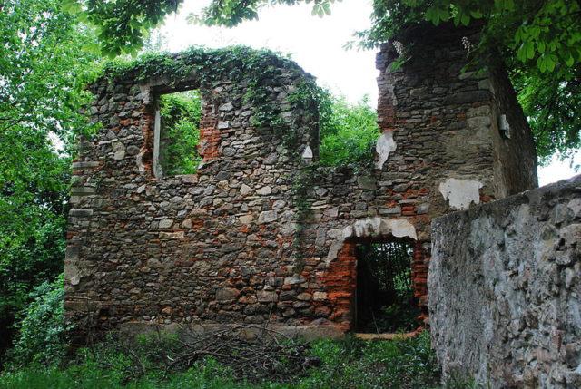 Ngôi làng bị Hitler xóa sổ để dập tắt một tin đồn - Ảnh 4.