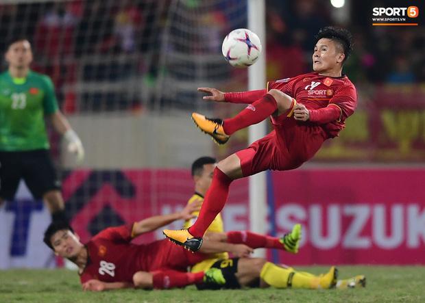 Tranh cãi việc huyền thoại Thái Lan đánh bại HLV Park Hang-seo ở đội hình tiêu biểu bóng đá Đông Nam Á của thập niên - Ảnh 8.