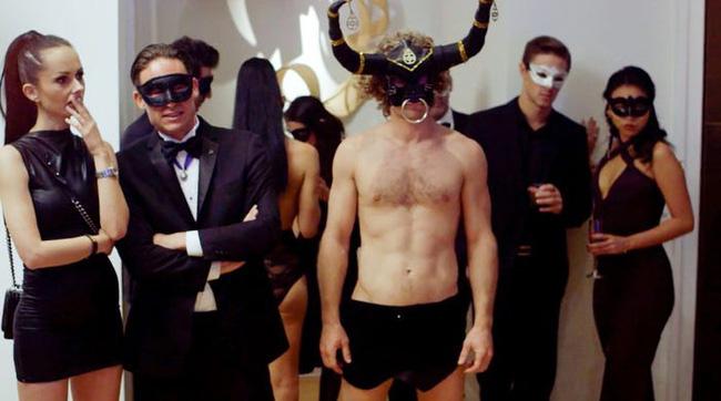 Thế giới trụy lạc của câu lạc bộ sex xa xỉ nhất hành tinh với người tham dự đều là những đại gia lắm tiền, nhiều của - Ảnh 2.