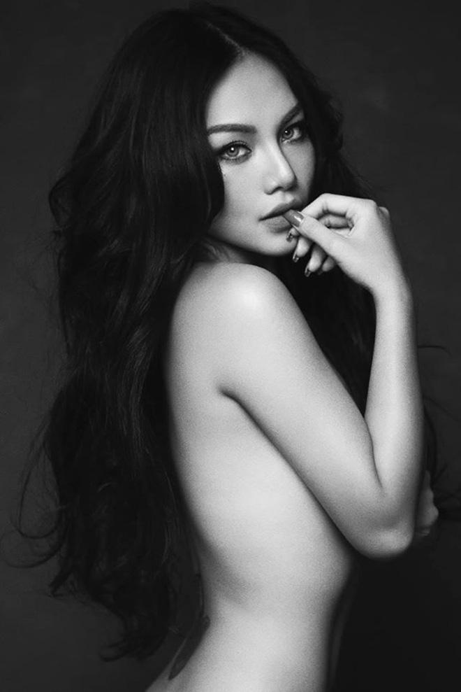 Cháu gái nổi tiếng của Vũ Thu Phương thích khoe ảnh bikini nóng bỏng - Ảnh 7.