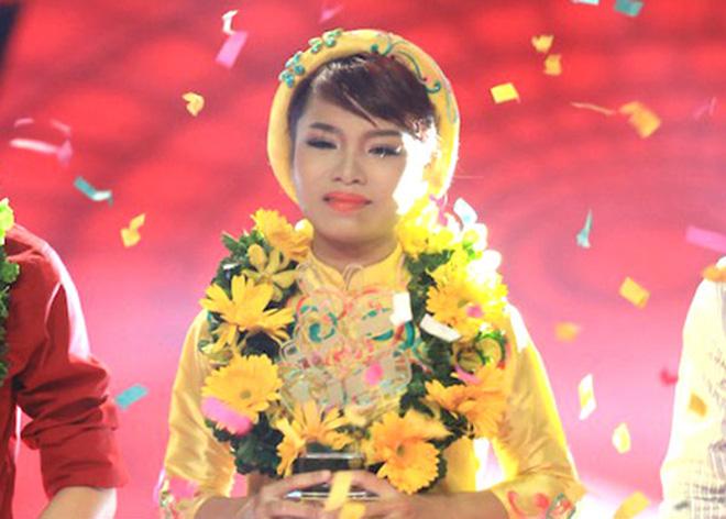 Cháu gái nổi tiếng của Vũ Thu Phương thích khoe ảnh bikini nóng bỏng - Ảnh 2.