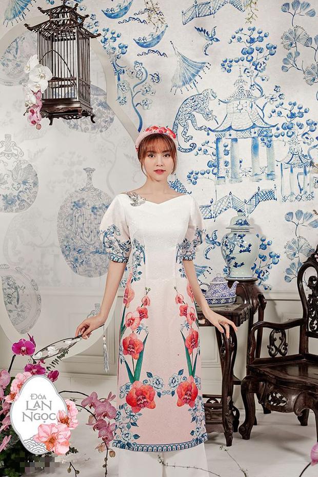 Dàn nữ tuyển thủ đi ăn tiệc, Crush quốc dân Hoàng Thị Loan nổi bần bật với bộ áo dài đụng hàng Ninh Dương Lan Ngọc - Ảnh 7.