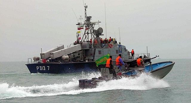 Hải quân Vệ binh Cách mạng Hồi giáo Iran tuyên bố trả thù cho tướng Soleimani  - Ảnh 3.