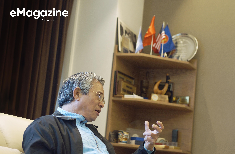 ĐS Phạm Quang Vinh kể về thăng trầm ASEAN: Vụ tàu TQ 2 lần cắt cáp của Việt Nam, bức ảnh thất vọng ở Campuchia và lời kêu gọi thức tỉnh - Ảnh 2.