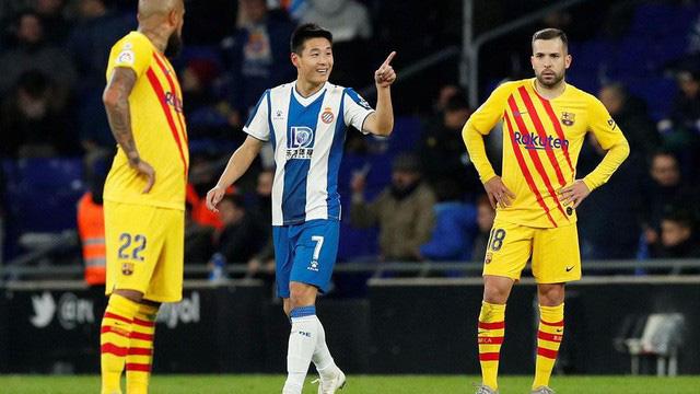 Espanyol 2-2 Barcelona: Barcelona bị cầm hòa trong trận derby Catalan - Ảnh 3.