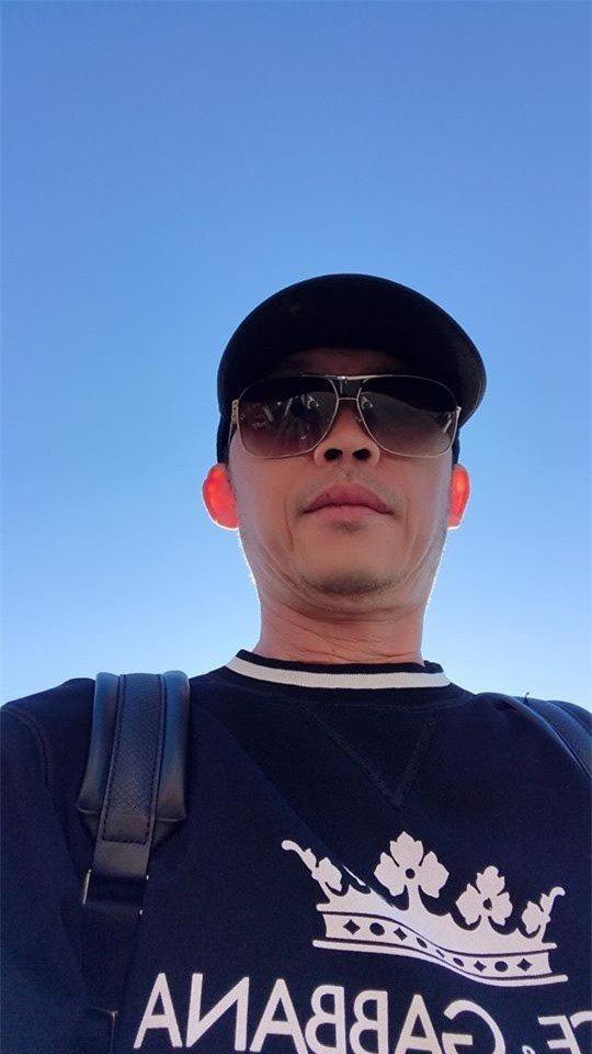 Hoài Linh chơi lớn, mặc toàn hàng hiệu, loạt ngôi sao nổi tiếng bình luận rôm rả - Ảnh 3.