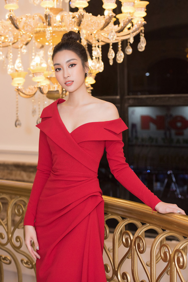 Đọ vẻ nóng bỏng của 3 hoa hậu Việt tuổi Tý - Ảnh 11.