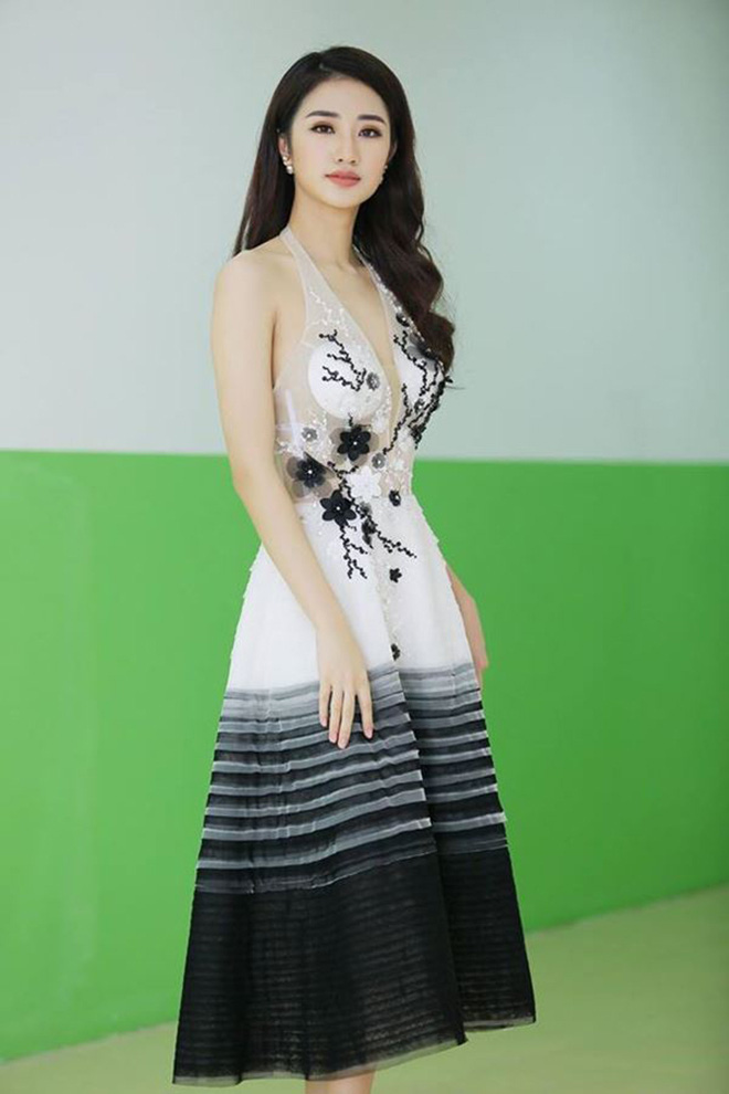 Đọ vẻ nóng bỏng của 3 hoa hậu Việt tuổi Tý - Ảnh 15.