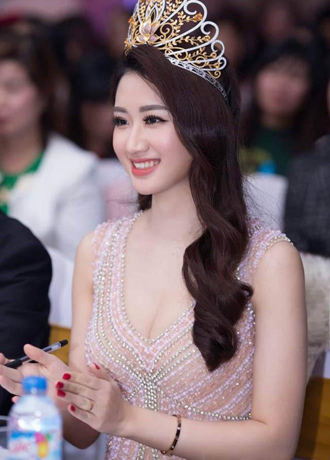 Đọ vẻ nóng bỏng của 3 hoa hậu Việt tuổi Tý - Ảnh 16.
