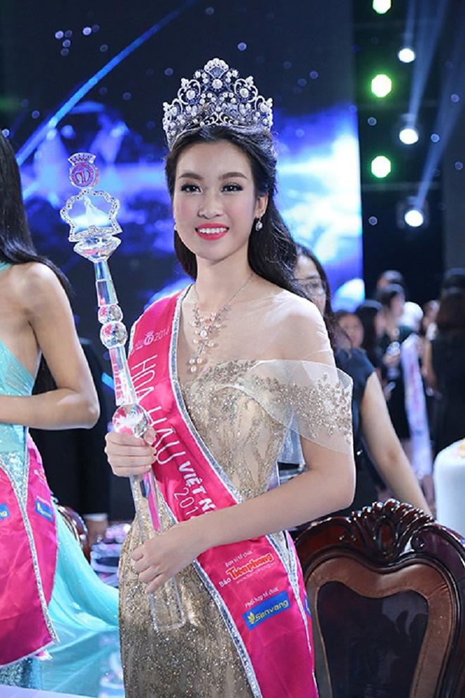 Đọ vẻ nóng bỏng của 3 hoa hậu Việt tuổi Tý - Ảnh 7.