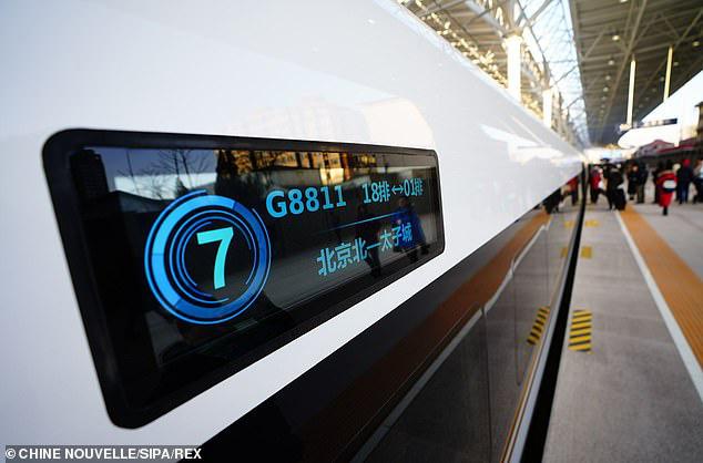 Tàu hỏa cao tốc Trung Quốc chạy 350km/h, lái tự động, hỗ trợ 5G, sạc không dây, sửa bằng robot - Ảnh 5.