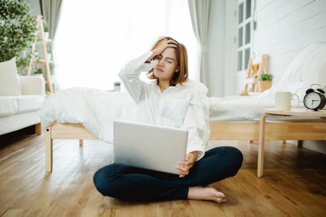 Nữ giám đốc thường xuyên bị mất ngủ do làm việc nhiều, bác sĩ cảnh báo nguy cơ teo não đang đến rất gần - Ảnh 3.