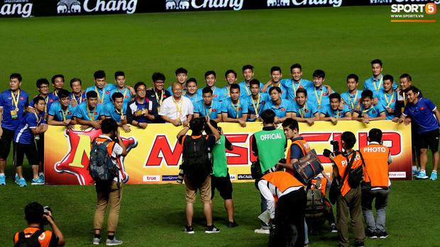 Fan cứng Thái Lan mê đắm HLV Park Hang-seo vì những chiến tích hạ gục cả U23 lẫn đội tuyển xứ chùa vàng - Ảnh 3.