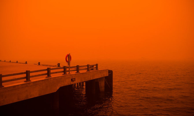 """Hành trình trốn chạy của gia đình Úc khỏi cháy rừng: Rời bỏ thị trấn """"Địa đàng"""", gói ghém đồ đạc lên xe và thuyền lang thang vô định - Ảnh 6."""
