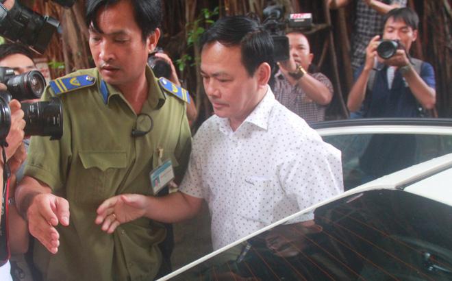Tòa án ra quyết định thi hành án đối với cựu Phó viện trưởng Viện KSND Đà Nẵng Nguyễn Hữu Linh - Ảnh 1.