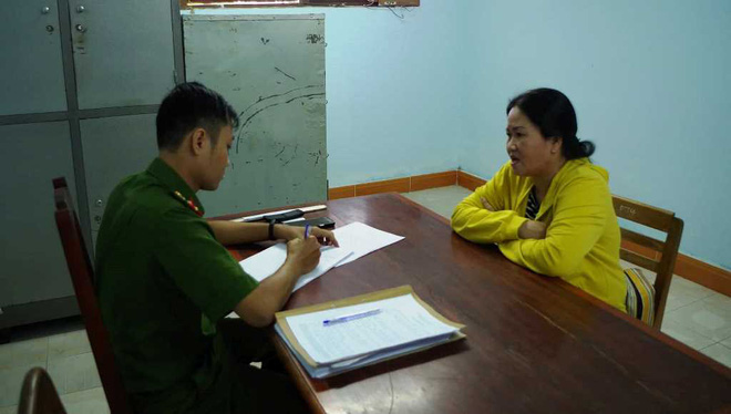 Người phụ nữ đánh học sinh ở Ninh Thuận chỉ làm nông và tự nghiên cứu tài liệu rồi mở lớp dạy kèm - Ảnh 1.