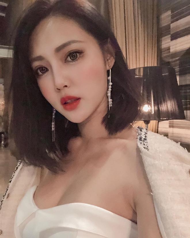 Cô thu ngân nổi tiếng MXH nhờ gương mặt xinh đẹp, ảnh đời thường hé lộ body nóng bỏng còn hút follow hơn nữa - Ảnh 1.
