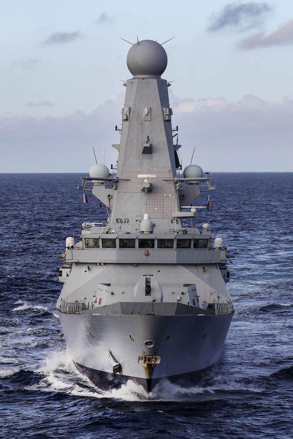 CẬP NHẬT: 2 mũi tiến công trên biển áp sát Iran, tàu ngầm Anh sẵn sàng phóng tên lửa, B-52 Mỹ xuất kích - Iran chuẩn bị ứng chiến - Ảnh 16.