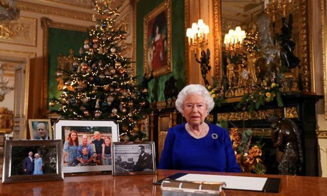 Vợ chồng Meghan Markle dính nghi án sắp bị loại khỏi gia đình Hoàng gia Anh bởi một loạt chi tiết bất thường - Ảnh 4.