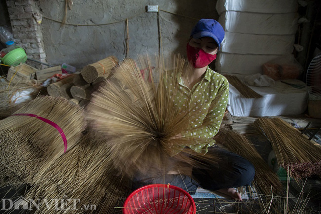 Ảnh: Làng làm tăm hương nổi tiếng Hà Nội nhộn nhịp ngày giáp Tết - Ảnh 4.