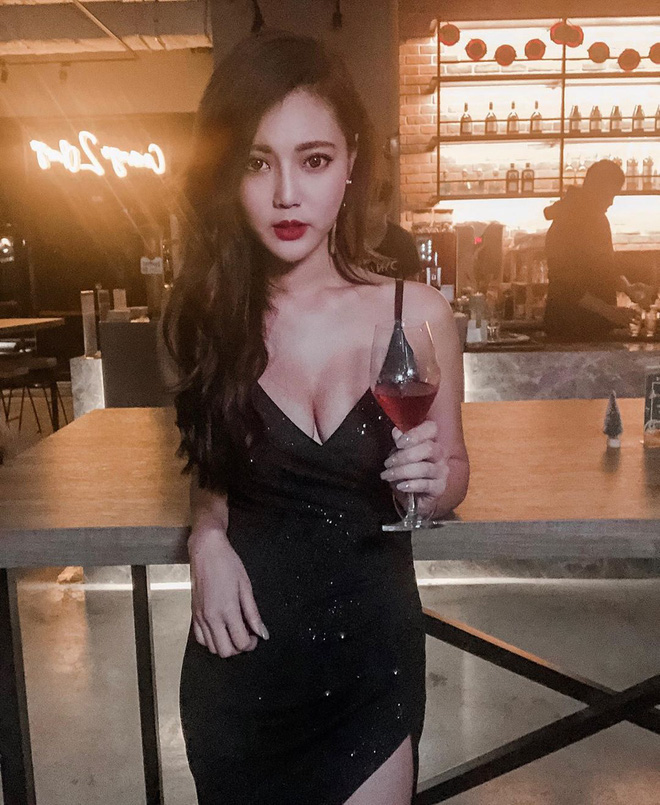 Cô thu ngân nổi tiếng MXH nhờ gương mặt xinh đẹp, ảnh đời thường hé lộ body nóng bỏng còn hút follow hơn nữa - Ảnh 4.