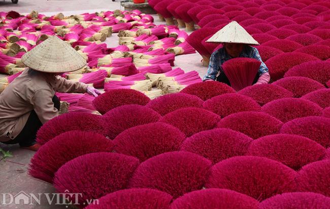 Ảnh: Làng làm tăm hương nổi tiếng Hà Nội nhộn nhịp ngày giáp Tết - Ảnh 6.