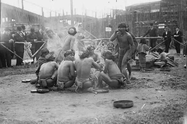 """""""Sở thú con người"""": Địa ngục trần gian của thổ dân nguyên thủy hay nơi giáo dục quần chúng của những người da trắng văn minh bậc nhất - Ảnh 7."""