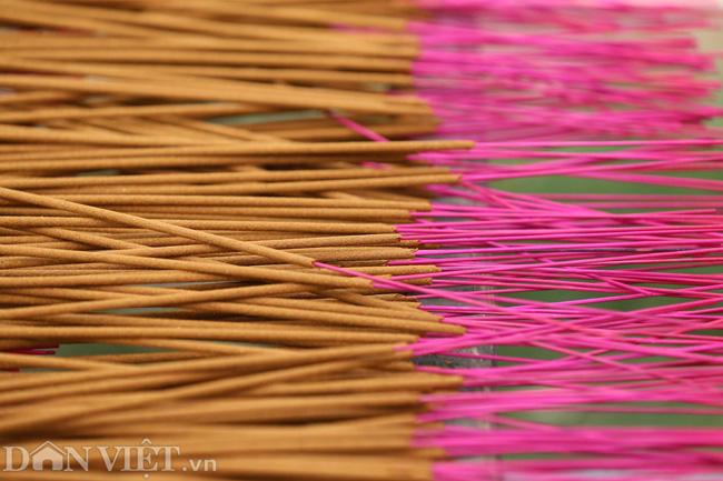 Ảnh: Làng làm tăm hương nổi tiếng Hà Nội nhộn nhịp ngày giáp Tết - Ảnh 9.