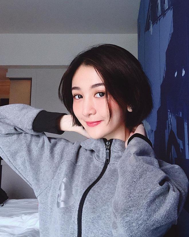 Nữ dẫn đoàn hiếm có khó tìm của U23 Việt Nam tại giải châu Á: Nhan sắc nữ thần, hotgirl trên Instagram - Ảnh 9.