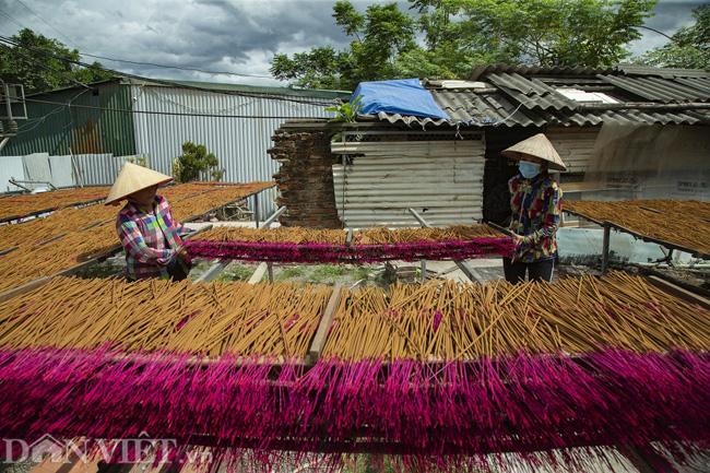 Ảnh: Làng làm tăm hương nổi tiếng Hà Nội nhộn nhịp ngày giáp Tết - Ảnh 10.