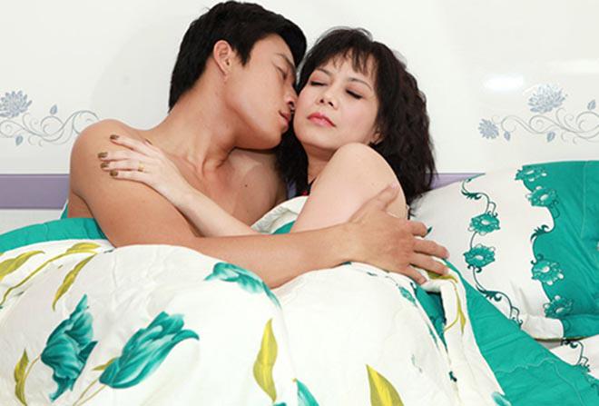 Hai cảnh nóng hiếm hoi nhưng đầy táo bạo trong sự nghiệp của Việt Hương - Ảnh 10.