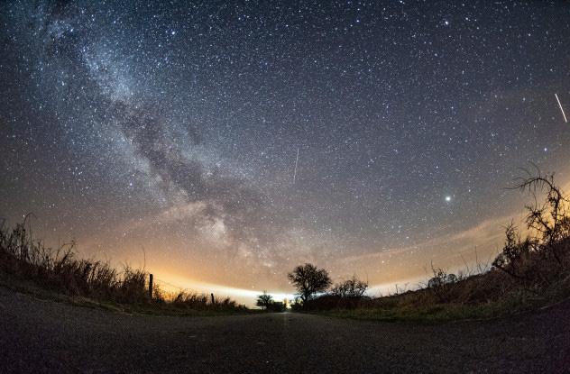 Những sự kiện thiên văn đặc sắc sẽ xảy ra trong năm 2020 - Ảnh 1.