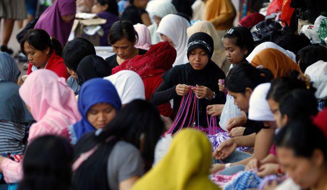 Philippines ra lệnh sơ tán, Malaysia khuyến cáo công dân không tới Trung Đông - Ảnh 2.