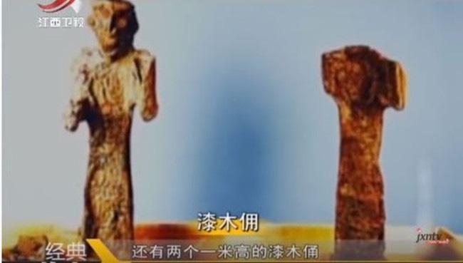 Mở nắp quan tài ở ngôi mộ 3.000 năm tuổi, nhà khảo cổ kinh ngạc nhìn thấy một thứ - Ảnh 2.