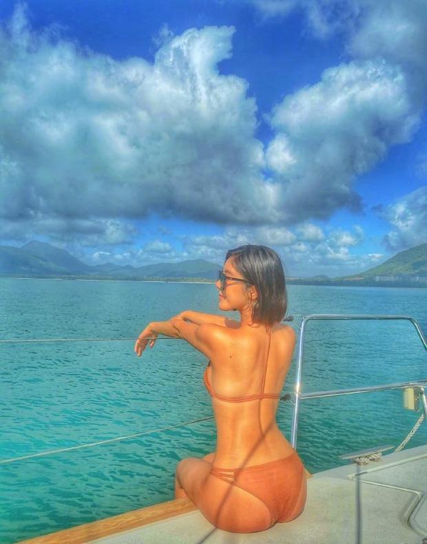 Nữ thần phim 18+ xứ Đài diện bikini 'bỏng rẫy' trên du thuyền - Ảnh 6.