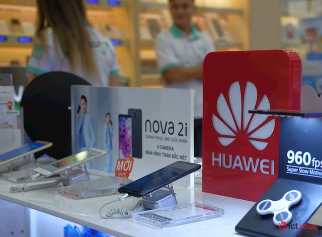 Huawei rơi khỏi top 4, thị phần dần về 0 tại Việt Nam - Ảnh 2.