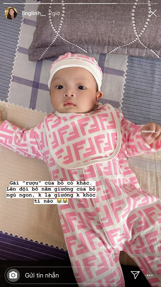 Rich kid mới nổi gọi tên con gái Bùi Tiến Dũng - Khánh Linh: Mới 2 tháng tuổi đã được phủ hàng hiệu từ đầu tới chân - Ảnh 3.