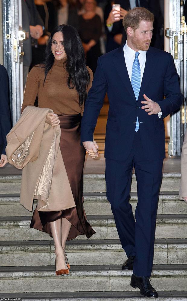 Hoàng tử Harry lặp lại lịch sử sau 83 năm: Kết hôn với phụ nữ Mỹ từng ly dị và rời khỏi gia đình hoàng gia Anh hệt như vua Edward VIII - Ảnh 5.