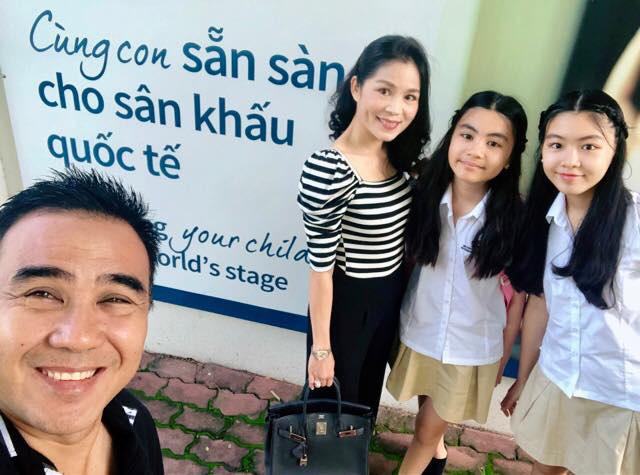 15 tuổi không dùng MXH, không khoe hàng hiệu đắt đỏ dù là rich kid, 2 con gái nhà MC Quyền Linh ngày càng bộc lộ khí chất hot girl - Ảnh 8.