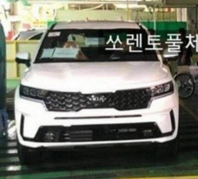 Kia Sorento 2020 tiếp tục lộ diện trước ngày ra mắt chính thức - mẫu SUV đáng để người Việt mong chờ - Ảnh 3.