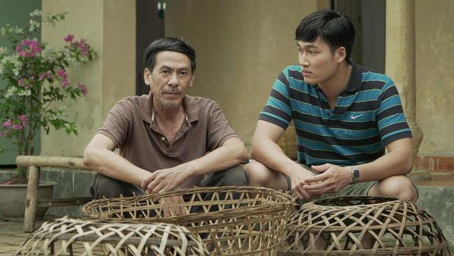 Thân thế 2 ông bố oan gia ngõ hẹp trong phim Cô gái nhà người ta - Ảnh 3.