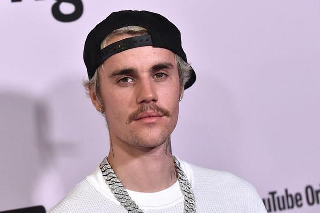 Tuổi 26 sống cùng bệnh tật của Justin Bieber: Đứa trẻ tài năng bị ép trưởng thành sớm và tình yêu đầy day dứt mang tên Selena Gomez - Ảnh 13.