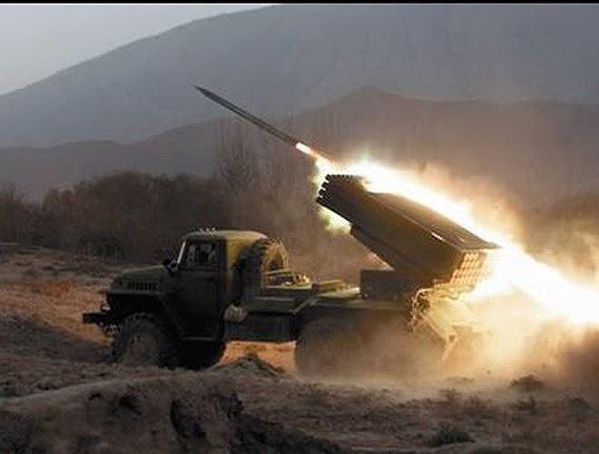 Tiếng rít của rocket BM-21 khiến phiến quân Syria bạt vía kinh hoàng bỏ chạy - Ảnh 17.