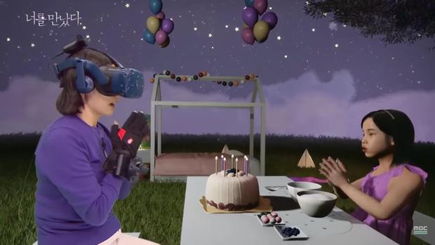 Mẹ gặp lại con gái đã mất bằng công nghệ VR lấy nhiều nước mắt của khán giả - Ảnh 6.